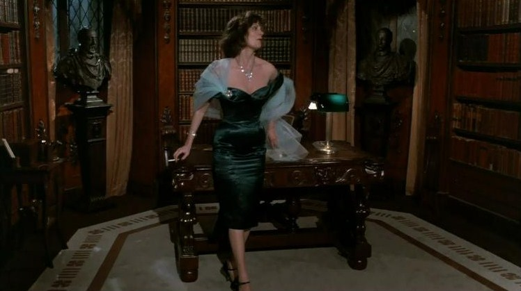 Miss Scarlet retro movie fashion Clue the Movie