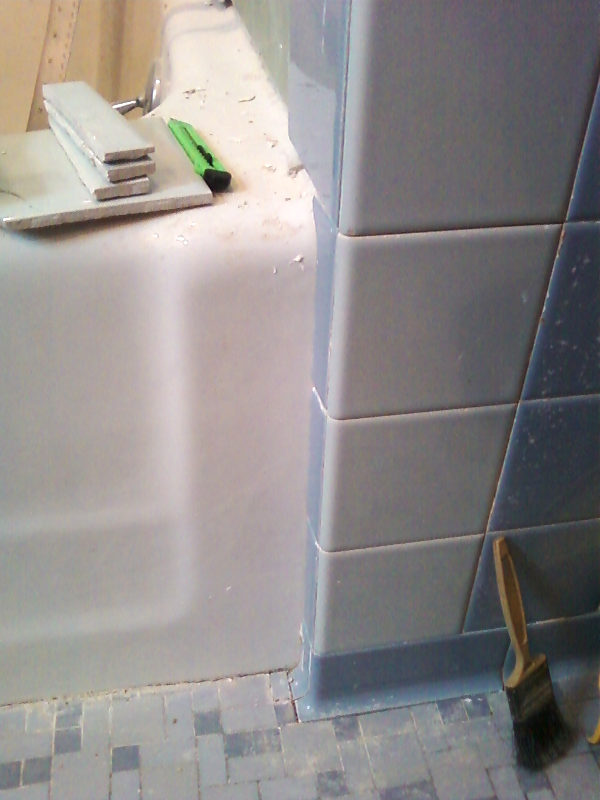 Save the blue bathroom. Retro remodel 1950s tub area tiling
