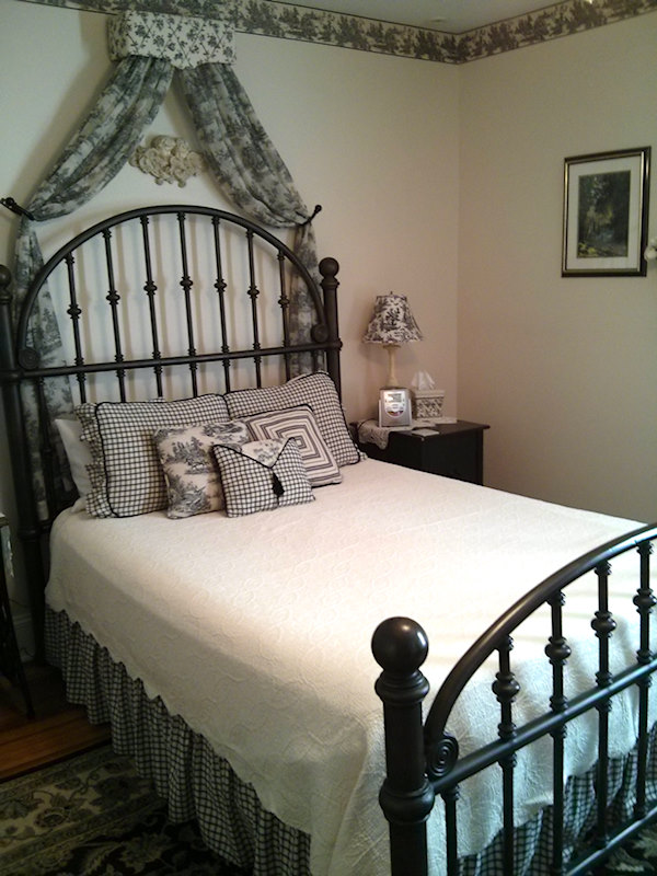 Bedroom suite Inn on the Main. Canandaigua, NY