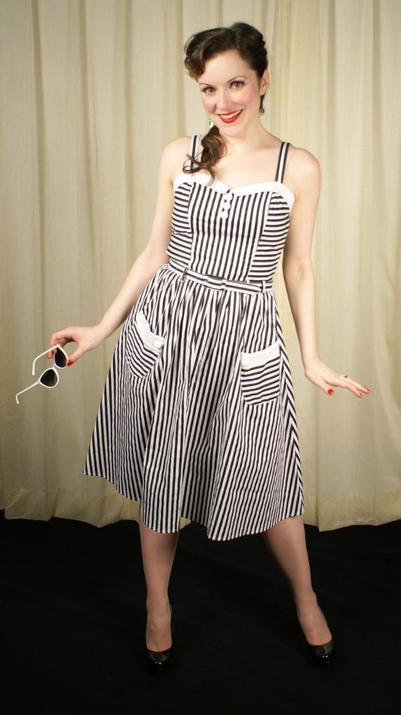 HellBunny Gabriela Dress is a great basic