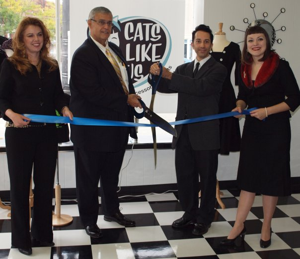 Ribbon cutting ceremony at Cats Liek Us